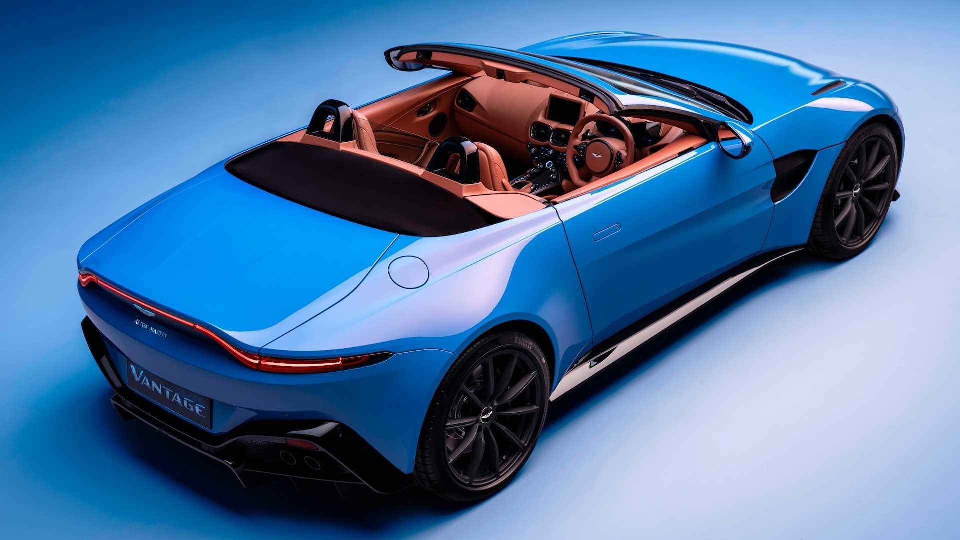 Aston Martin, la Vantage si scopre: e ha voglia d'estate
