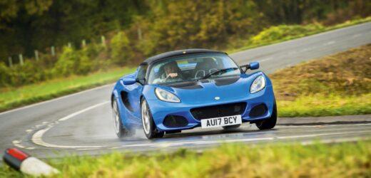 Lotus, addio ai motori benzina: dal 2022 tutta la gamma sarà elettrica