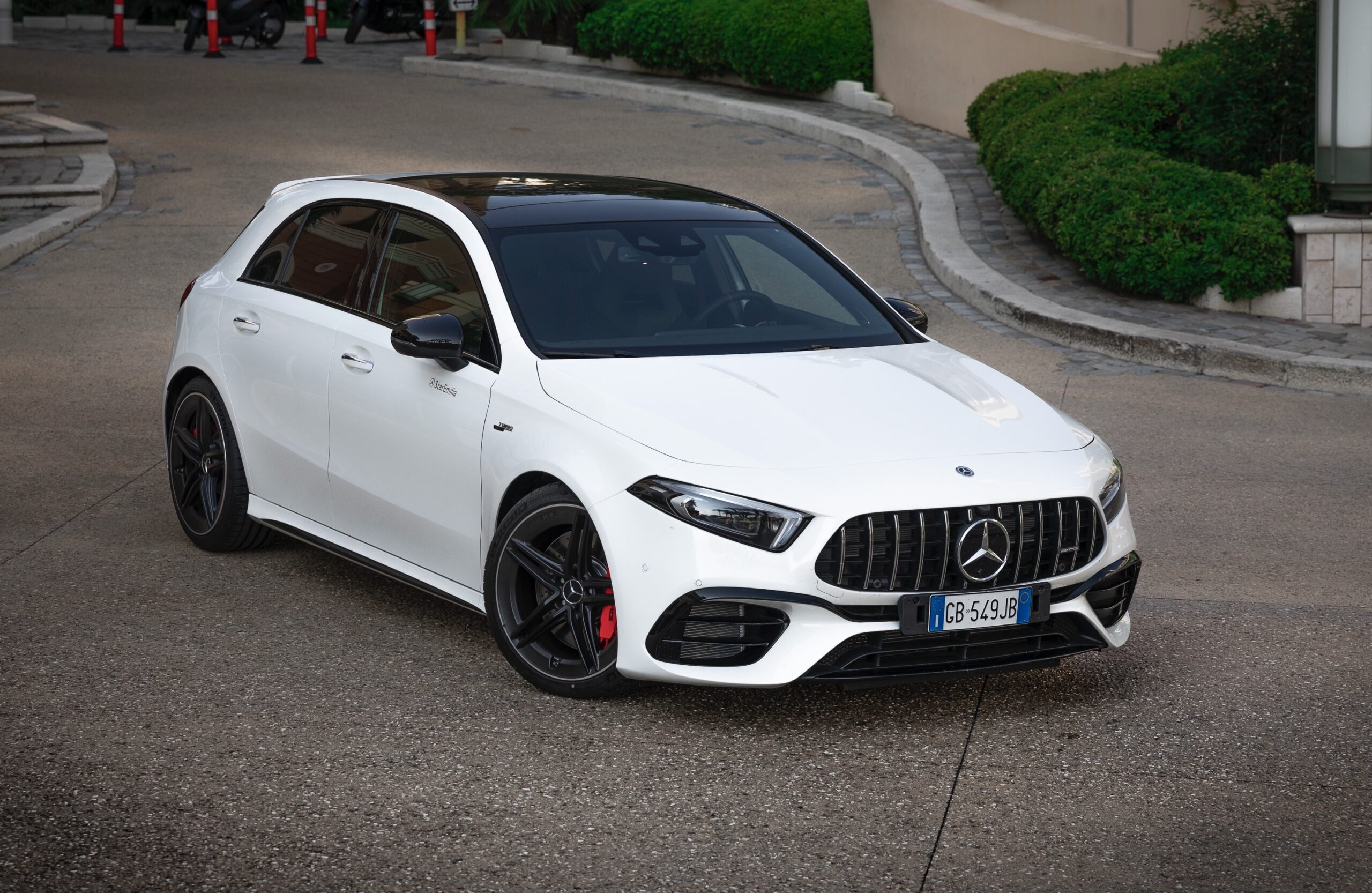 Prova su strada: Mercedes-AMG A 45 S (2020)