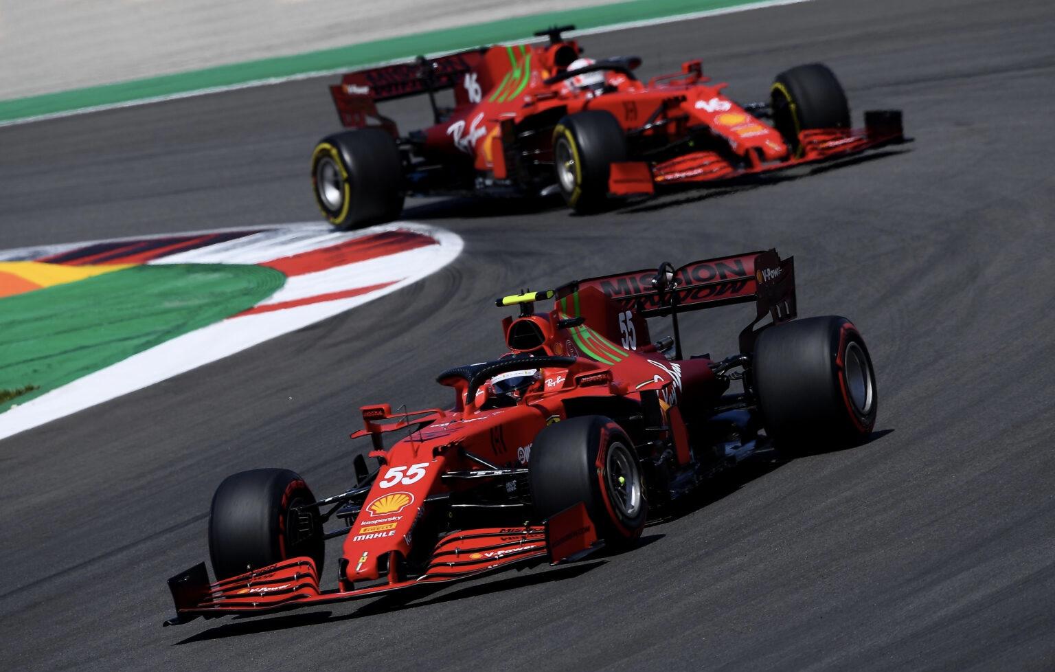 La Ferrari con il giallo delle medie