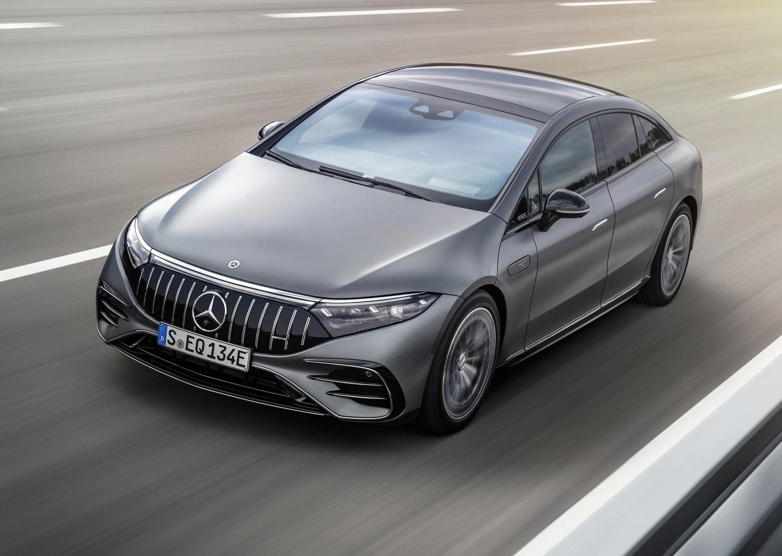 Mercedes-AMG EQS 53: la Stella alla velocità della luce